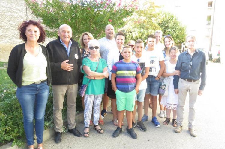 Les nouveaux Malaucéniens au départ de la visite