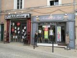 Addiction et Madame A Du Style sur la place Montfort.